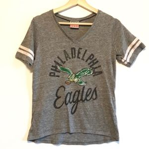 Eagles Football graphic tee shirt athletic tee S